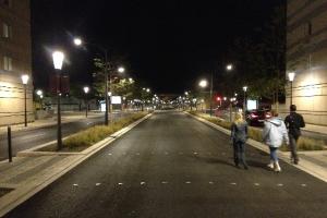 Transport-en-commun-en-site-propre-axe-Nord-Sud-Nimes-France-Conception-lumière-et-photo-4-Cote-Lumiere